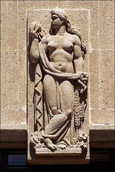 sculpture d'Elie-Jean Vézien. Marseille French Sculptor, Gaston, Logs, Sculpting, Sculptures, Art Deco, France, Statue, Decorations