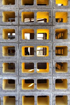 DEOC Arquitectos uses breeze blocks for emergency shelter in Guatemala Facade Design, Exterior Design, Breeze Block Wall, Masonry Construction, Homemade Modern, Wall Exterior, Roof Structure, Concrete Blocks, Cafe Interior