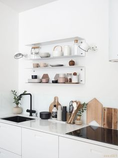 4 Tips For Kitchen Remodeling In Your Home Renovation Project – Home Dcorz Minimalist Kitchen, Minimalist Decor, Home Interior, Interior Design Kitchen, Interior Modern, Home Decor Kitchen, Home Kitchens, Boho Kitchen, Kitchen White