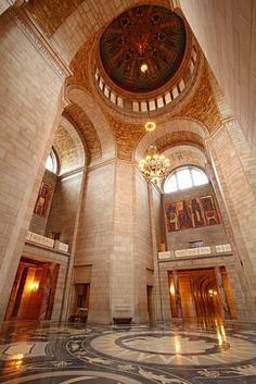 Husker football, college museums and a booming Haymarket district entertain visitors in Nebraska's state capital of Lincoln. Plan your trip: http://www.midwestliving.com/travel/nebraska/lincoln/two-day-getaway-to-lincoln