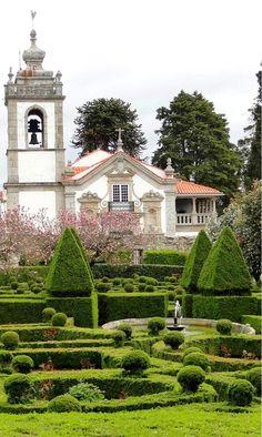 Sociedade Agrícola de Santar, presents the prestigious portfolio, with the wines Casa de Santar. The manor house of the XVII and XVIII Centuries, surrounded by hedges, boxwoods and labyrinths of flowers, belongs to D. Tereza de Lencastre de Mello, Condessa de Santar, married with D. José Luiz d´Andrade de Vasconcellos e Souza, Marquez de Santa Iria, Conde de Sabugal/Óbidos e Palma. Visit: http://www.daosul.com/en/go/wine-cellar-casa-de-santar | #wine #winelovers #Portugal