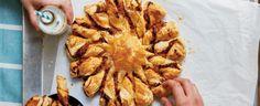 Pizza slunce Chicken Wings, Yum Yum, Bacon, Pizza, Meat, Breakfast, Food, Morning Coffee, Essen