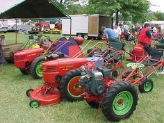 Lawn Tractors, Old Tractors, Boy Toys, Toys For Boys, Wheel Horse Tractor, Walk Behind Tractor, Garden Tractor Pulling, Home Engineering, Garden Equipment
