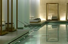 Bulgari Hotel London is an exclusive design hotel in Knightsbridge. Bulgari Hotel London offers spacious & luxurious rooms & suites and a large spa plus pool. London Hotels, Bulgari Hotel London, Spa London, Bvlgari Hotel, Spa Hotel, Hotel Pool, Hotel Decor, Spa Design, Design Hotel
