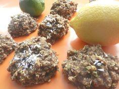 J'adore le citron et j'aime tout ce qui est citronné. J'avais le goût de mettre au monde une VRAIE recette de muffin aussi santé que bonne au goût… au citron et au pavot. TADAM! Ça a donné ce succulent muffin SAIN, LÉGER, SUCCULENT et joyeusement bon, le C'est pas vos citrons! SANS SUCRE, SANS GRAS... Healthy Snacks, Healthy Recipes, Biscuits, Scones, Food Inspiration, Sugar Free, Snack Recipes, Herbs, Sweets