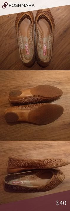 "Pikolinos peep-toe woven flats Re-Posh: Caramel colored woven leather flats, size 39. Padded footbed. Pikolinos brand, tagline ""Lo Natural es Bueno."" Would keep if they fit my wide toebox! Quality craftsmanship, vintage vibe, only worn a few times. PIKOLINOS Shoes Flats & Loafers"