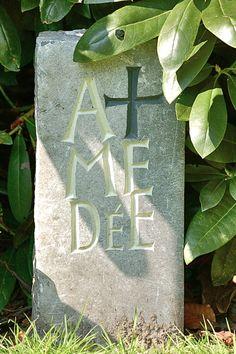 grafsteen voor poes. Kristoffel Boudens