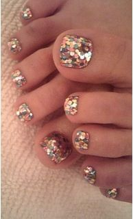 Glitter toe-nails - Love this colour glitter! I think Barry M does a similar one...