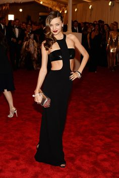 Gorgeous cut out gown!  #MirandaKerr #blackdress #redcarpet #womensfashion #celebfashion #fashion