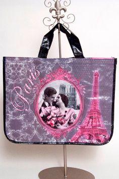 http://www.lespetitscadeauxpa.com/paris-and-fleur-de-lis/