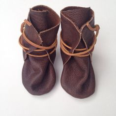 Items similar to Baby moccasins upcycled leather on Etsy Baby Moccasins, Baby Boots, Handmade Baby, Snug Fit, Upcycle, Fashion Shoes, My Etsy Shop, Pairs, Stylish