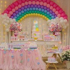 Unicorn Themed Birthday Party, My Little Pony Birthday Party, Rainbow Birthday Party, Unicorn Party, Birthday Party Themes, Baby Birthday, Birthday Balloon Decorations, Rainbow Balloons, Rainbow Parties