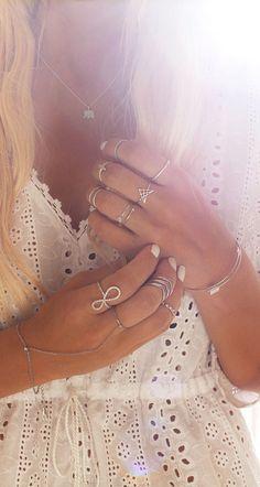 Boho❤️ Boho Gypsy, Hippie Boho, Bohemian, Bow Bracelet, Bracelets, The Bling Ring, Fashion Accessories, Fashion Jewelry, Quoi Porter