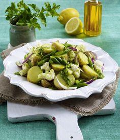 Unser beliebtes Rezept für Blumenkohl-Kartoffelsalat mit Kräutern und mehr als 55.000 weitere kostenlose Rezepte auf LECKER.de.