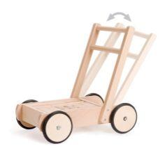 Premergatorul din lemn natur il ajuta pe copilul tau sa mearga! Este un mijloc de transport foarte stabil din lemn natural, ideal pentru primele lectii de mers. Este insotit de blocuri de lemn pentru toate constructiile imaginate de copii. #premergator #ajutorlamers #walkhelp #toy #jucarie #lemn #wood
