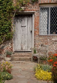 England - Kent - Sissinghurst Castle - Cottage Garden - 6th May 2011 -31 | Flickr - Photo Sharing!