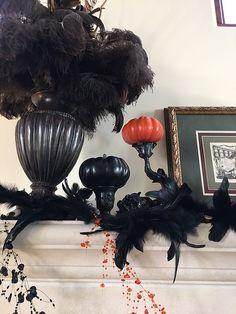 Halloweenie Mantel