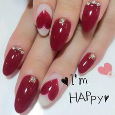 「たった2色で可愛くなれる♡赤と白だけで作るネイルデザイン」に含まれるinstagramの画像|MERY [メリー]