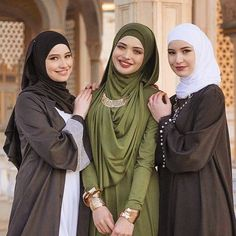 """3,362 Likes, 24 Comments - CHIC HIJAB #chichijab (@chichijab) on Instagram: """"❤️❤️❤️❤️❤️❤️ #chichijab would you wear this?!"""""""