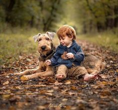 If you love dogs? you really will appreciate our info! Dogs And Kids, Animals For Kids, Baby Animals, Animals And Pets, Cute Animals, Dog Photography, Children Photography, Dog Pictures, Dog Photos