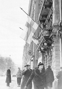 Finnish flags are at half-mast after the publication of the peace terms