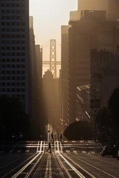 Sunrise on California Street San Francisco [OC] Sunrise Photography, Urban Photography, Abstract Photography, Street Photography, Photography Ideas, Sunrise City, Sunset, Ca Usa, San Fransisco