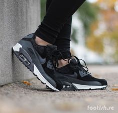 size 40 b330f 4f22a Nike Wmns Air Max 90 Leather  Footish