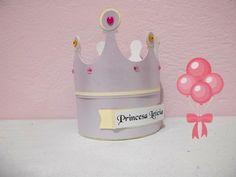 Caixa coroa. Fazemos em qualquer tema e cor (ideal para princesas e príncipes), pode ser usado como lembrancinha e centro de mesa.