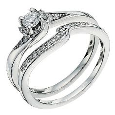 Bridal ring set. In love with this!!!