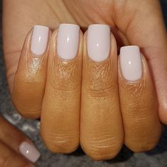 False nails have the advantage of offering a manicure worthy of the most advanced backstage and to hold longer than a simple nail polish. The problem is how to remove them without damaging your nails. Pretty Nail Colors, Pretty Nails, Spring Nails, Summer Nails, Nail Colors For Summer, Fall Nails, Milky Nails, Nagel Stamping, Manicure E Pedicure
