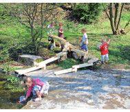 Wasser und Murmel Aquädukt   Naturspielplatz, Kinder