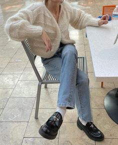 Beige Outfit, Black Loafers Outfit, Fall Outfits, Casual Outfits, Cute Outfits, Rainy Day Outfits, Style Invierno, Look Fashion, Fashion Outfits