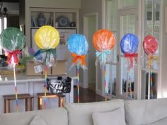 Paper  plate lollipops....party decorations...hansel and gretel