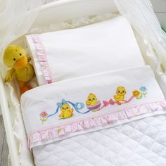1 million+ Stunning Free Images to Use Anywhere Baby Embroidery, Cross Stitch Embroidery, Cross Stitch Patterns, Embroidery Designs, Baby Sheets, Baby Bedding Sets, Cute Cross Stitch, Cross Stitch Animals, Baby Zimmer