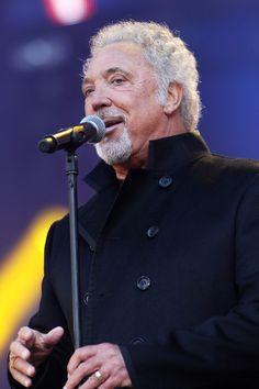 Tom Jones Photo - Heroes Concert - Show