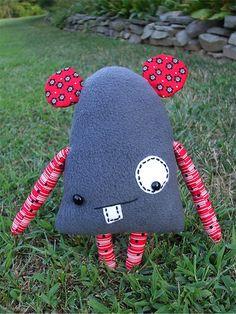 Tutorial: igor mousenstein toy softie sewing pattern #free #sewing #kids #diy #crafts