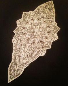 Ideas For Mandala Tattoo Design Pattern Mandala Tattoo Design, Mandala Tattoo Back, Dotwork Tattoo Mandala, Geometric Mandala Tattoo, Maori Tattoo Designs, Geometric Tattoo Design, Tattoo Abstract, Nape Tattoo, Leg Tattoos