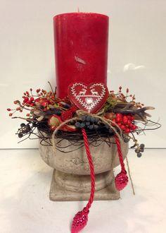 Adventsgesteck - rot / natur - Amphore von kunstbedarf24 auf DaWanda.com
