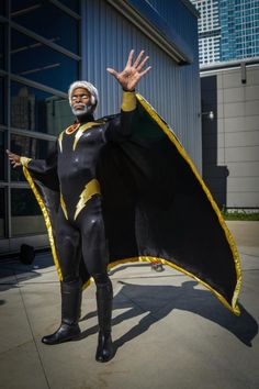 Storm from Xmen (a dude) Cosplayed by Larry Smith and photographed by Felix Wong