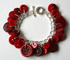 Summer Pudding Red Button Bracelet/ love this. totally need to make one. And could make it in so many colors!