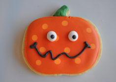 polkadot pumpkin-Cute cookie idea for pumpkin patch party!