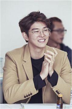 Yoon kyun sang Asian Actors, Korean Actors, Hot Actors, Actors & Actresses, Kyun Sang, Netflix Horror, Korean Wave, Kdrama Actors, Songs To Sing