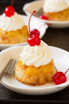 The only thing better than pineapple upside down cake? Pineapple upside down cupcakes! Get the recipe at Cooking Classy. Cupcake Recipes, Baking Recipes, Cupcake Cakes, Dessert Recipes, Mini Desserts, Just Desserts, Easter Desserts, Awesome Desserts, Easter Cupcakes