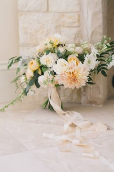 Light and airy Garden Rose and Dahlia bouquet. #bridal #garden-style #peach #wedding #flowers