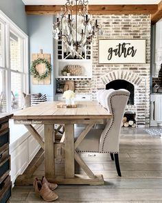 44 how to build simple and inexpensive rustic shutters 17 Cottage Shabby Chic, Shabby Chic Kitchen, Shabby Chic Decor, Rustic Shutters, Home And Deco, Decoration, Decorating Your Home, Home Kitchens, Home Remodeling