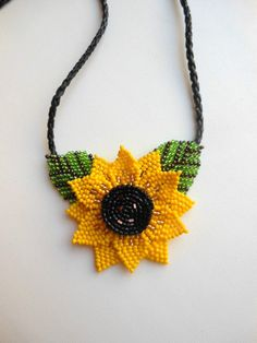 Sunflower necklace beaded flower sunflower pendant flower necklaces with pendants for necklaces women beaded necklace yellow flower necklace Beaded Crafts, Handmade Beaded Jewelry, Beaded Jewelry Patterns, Seed Bead Jewelry, Bead Jewellery, Jewelry Necklaces, Bead Embroidery Jewelry, Simple Necklace, Beaded Flowers