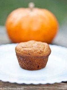 Clean Eating Pumpkin Spice Mini Muffins Recipe ~ http://www.thegraciouspantry.com