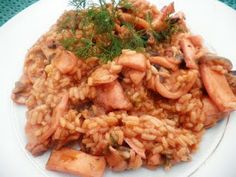 KΑΛΑΜΑΡΑΚΙΑ ΜΕ ΡΥΖΙ Cookbook Recipes, Cooking Recipes, Just Cooking, Orzo, Lunch Time, Fish And Seafood, Fried Rice, Risotto, Ethnic Recipes