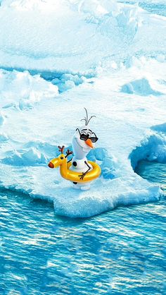 frozen wallpaper backgrounds This is the Olaf, in its (unfortunate) natural habitat Disney Olaf, Disney Frozen, Disney Art, Disney Movies, Disney Pixar, Walt Disney, Olaf Frozen, Frozen 2013, Frozen Wallpaper
