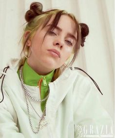 Celebs How much is Billie Eilish Worth ? Billie Eilish, Wallpaper Sky, Pretty People, Beautiful People, Her Music, Music Songs, Music Artists, My Idol, Cool Girl